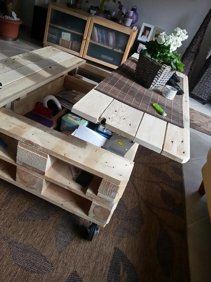 make a lift top coffee table out of pallets your projects obn. Black Bedroom Furniture Sets. Home Design Ideas