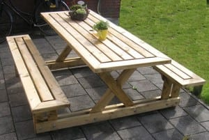 Do-It-Yourself Picnic Table Tutorial