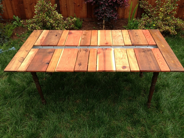 DIY Reclaimed Wood Picnic Table with Planter - Your ...