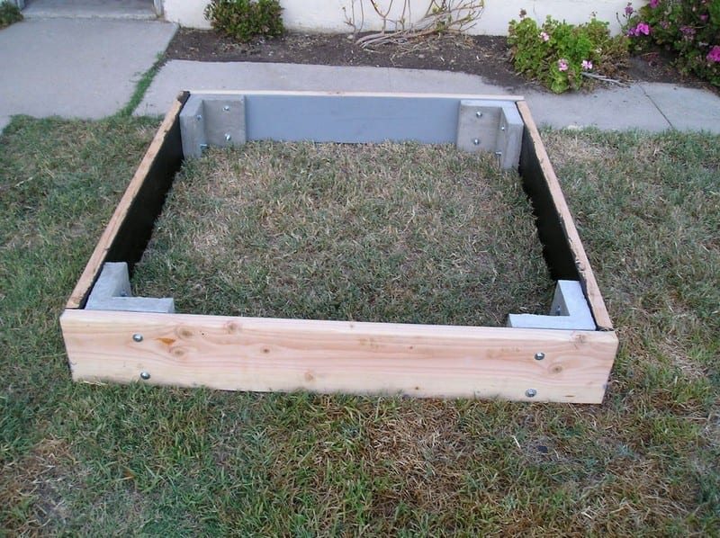 Garden Bed Brace