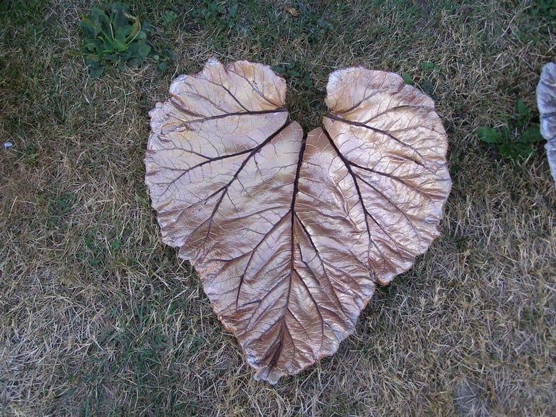 DIY Garden Concrete Leaves
