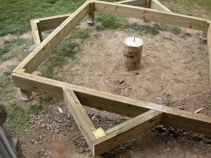 DIY Octagonal Deck 06