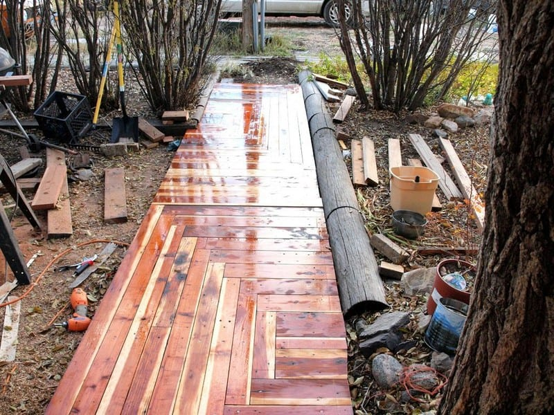 How to turn reclaimed timber into a sidewalk for Timber decking seconds