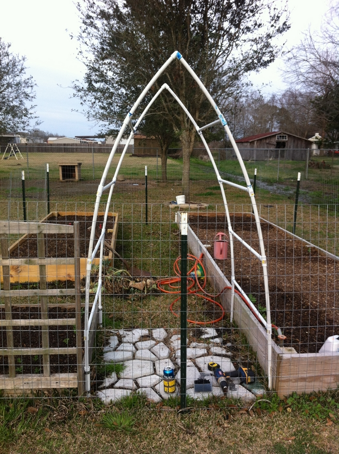 Diy hoop house trellis your projects obn for Garden structures plans