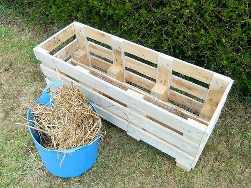 Turn a pallet into a strawberry planter your projects obn for How to make a planter box out of pallets