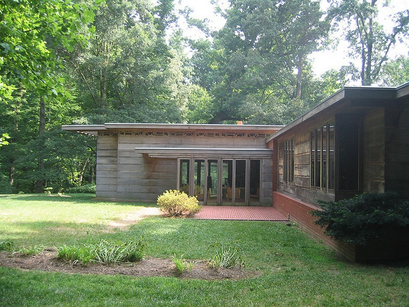 A Frank Lloyd Wright Usonian home Photo by Jean-Pierre Louis / Flickr, under license https://creativecommons.org/licenses/by-nc-nd/2.0/legalcode