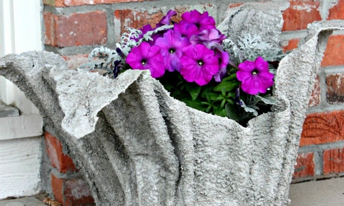 Make a gorgeous planter with an old towel!