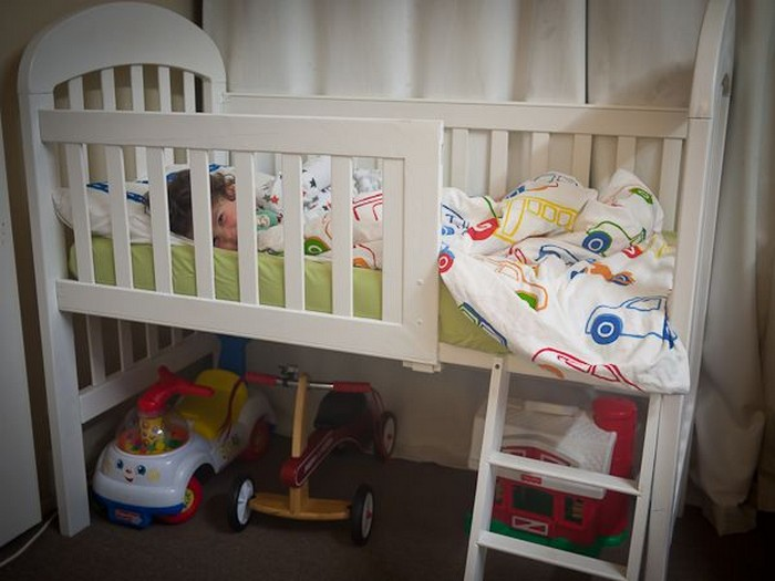 From Baby Crib To Toddler Bed