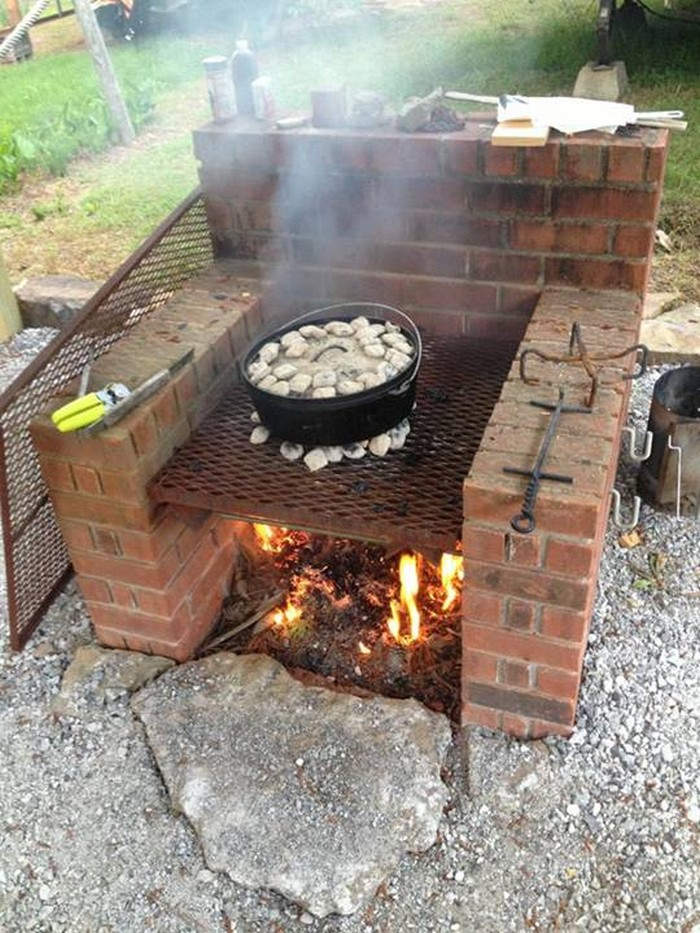 Build your own brick barbecue your projects obn for Diy brick projects