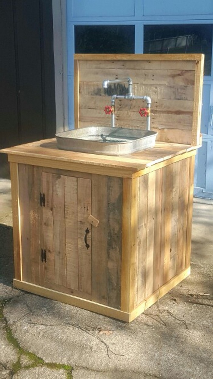 Build your own unique outdoor sink with an old wooden for Outdoor kitchen sink