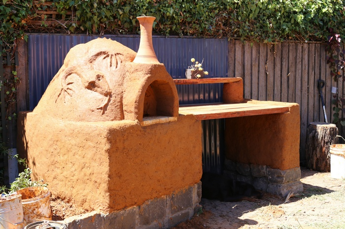 Low-cost earthen oven