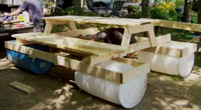 Build An Awesome Floating Picnic Table