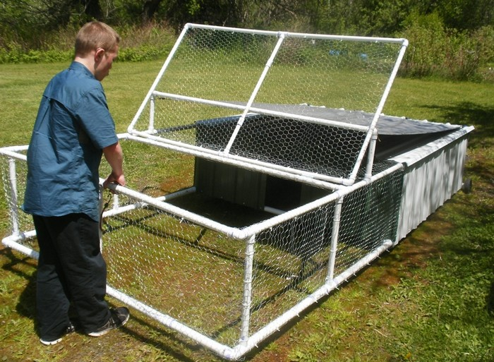 Build a pvc chicken tractor your projects obn for Chicken coop made from pvc