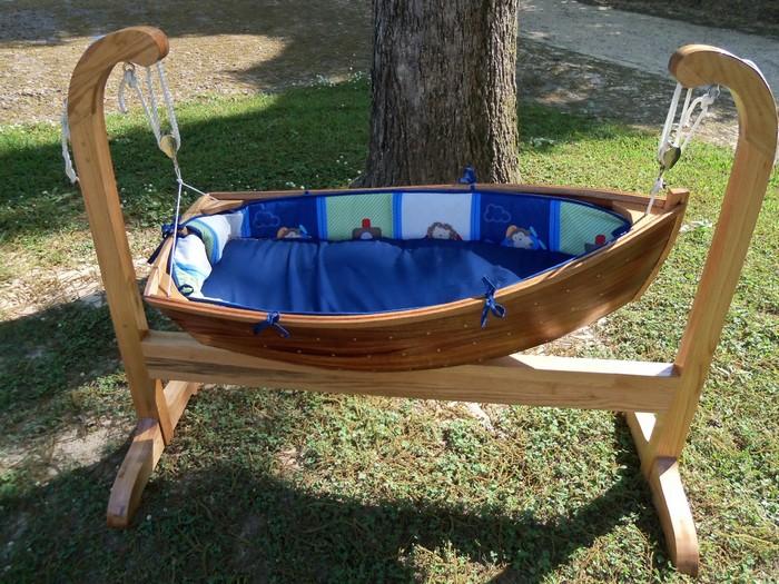 Baby Boat Cradle