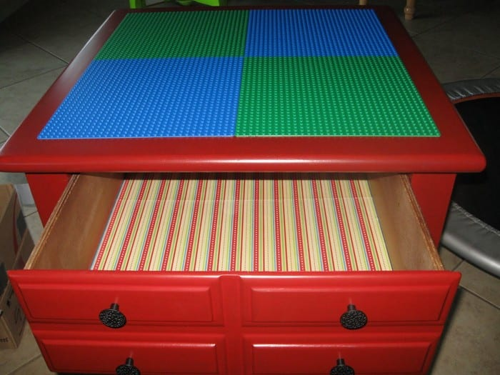 Turn an old piece of furniture into a clever Lego table ...