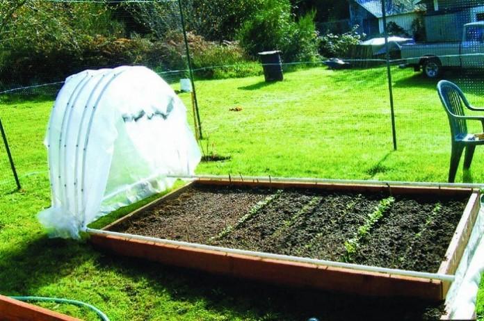 Retractable Hoop House Greenhouse