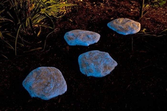 Enhance your yard by making glow in the dark stepping for Spray paint rocks for garden