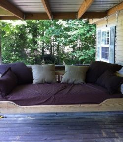Hanging day bed swing
