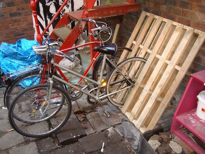 Make Your Own Bike Rack Out Of Pallets Your Projects Obn