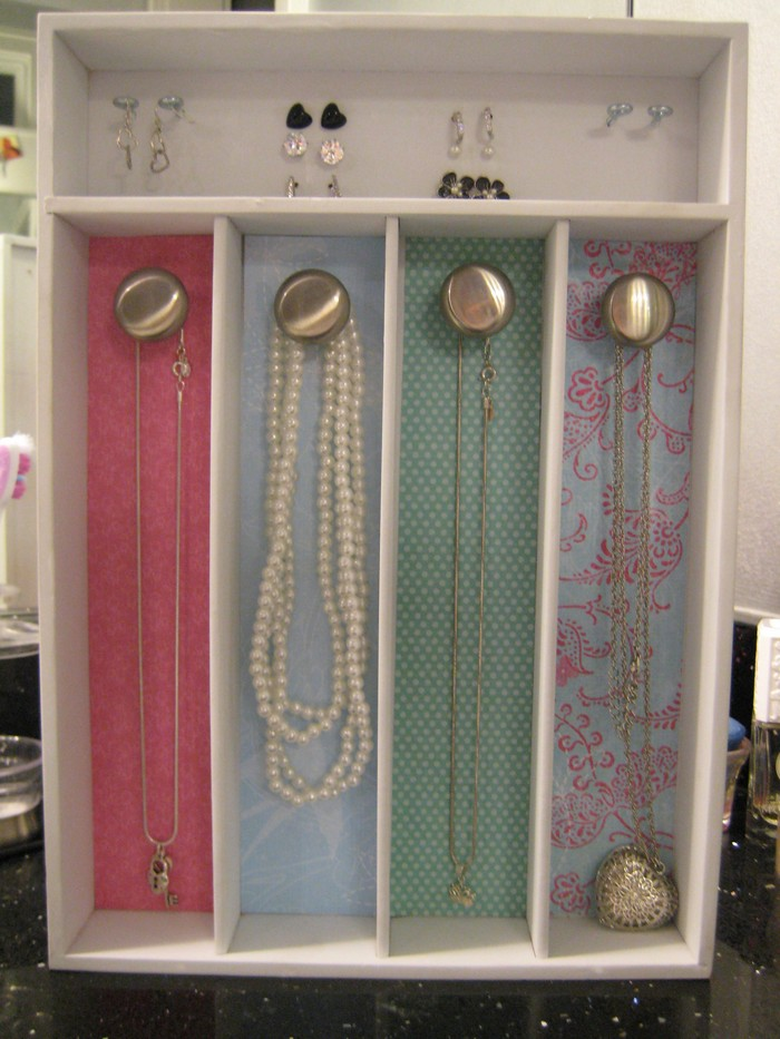 Organize your jewelry with a silverware tray Your ProjectsOBN