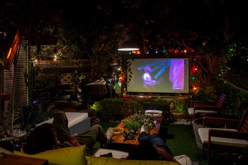 Entertainment to your backyard by building an outdoor for Diy backyard theater seats