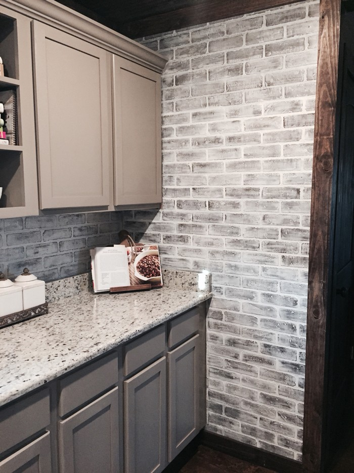 Give your walls a new look with a faux brick wall diy home decor - Backsplash that looks like brick ...