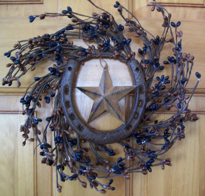 horseshoe craft ideas upcycled horseshoes ideas diy horeshoes home decor 2200