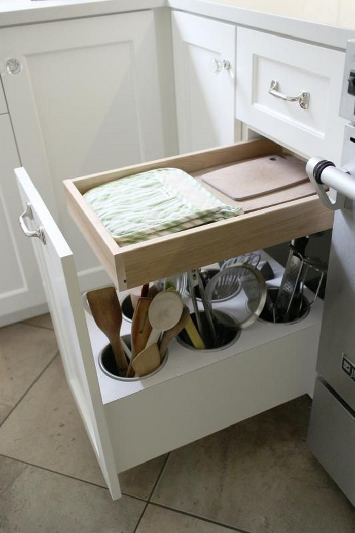 Organize your kitchen utensils with this clever Lazy Susan storage!