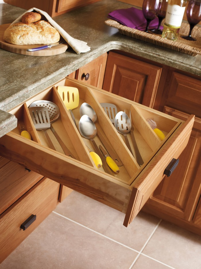 organize your kitchen utensils with this clever lazy susan