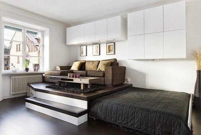 Pull-out bed under platform