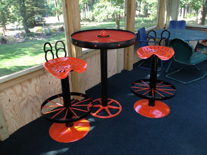 Tractor Seat Garden Stool : Upcycled tractor seat bar stool diy
