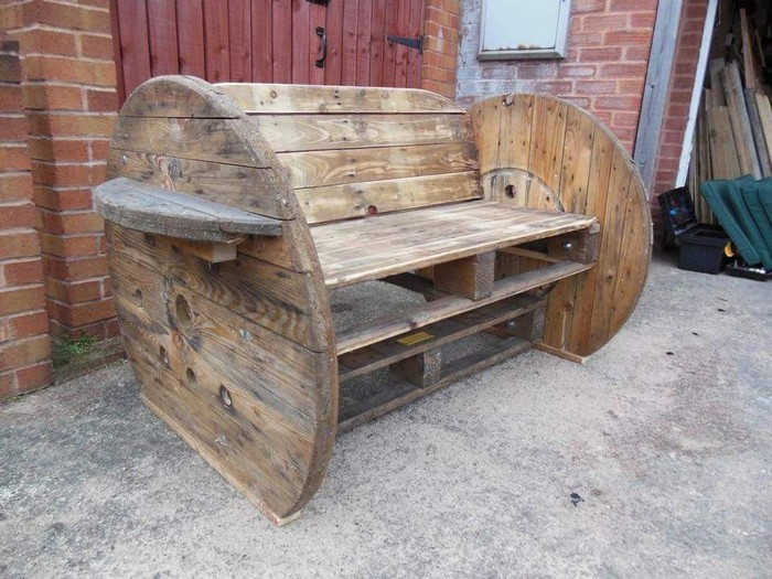 Learn how to build a cable spool bench diy cable spool for Outdoor tables made out of wooden wire spools