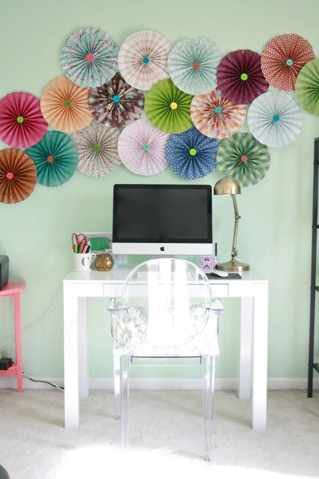 Easy paper decors to spruce up plain and boring walls for Room decor out of paper