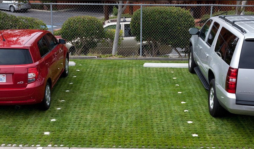 Plastic grass blocks