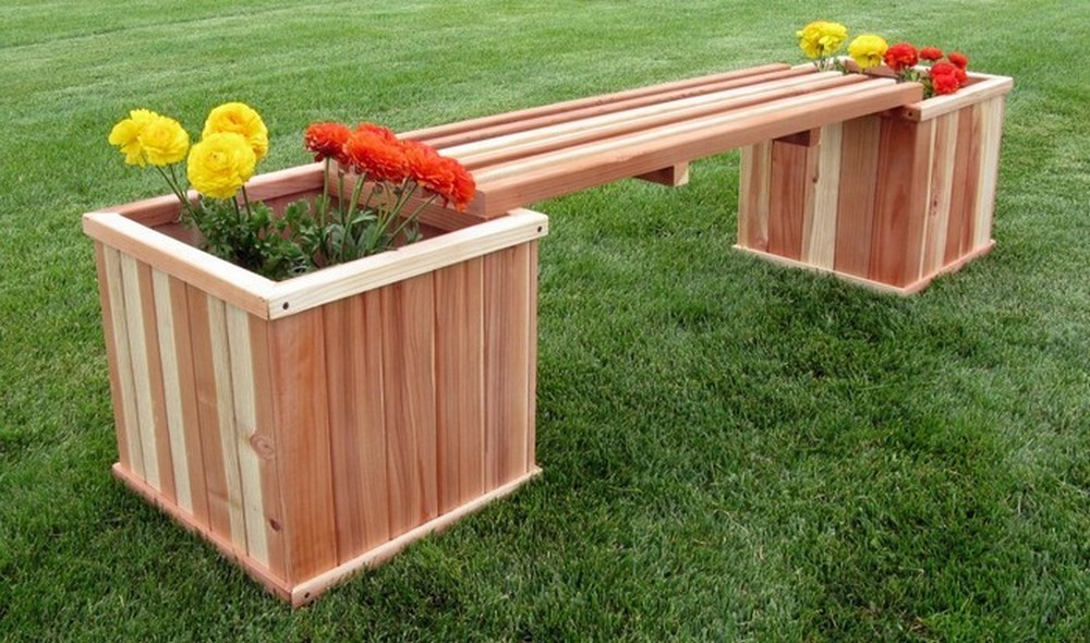 Build your own planter bench so you can customize it any way you want!