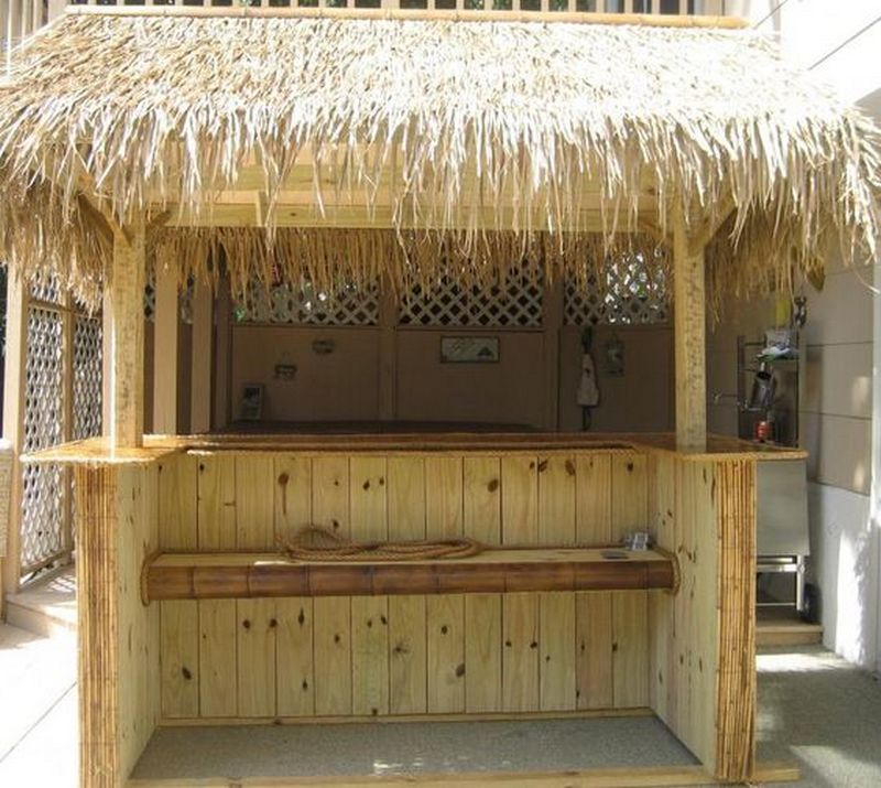 A tiki bar right in your own backyard? Why not!