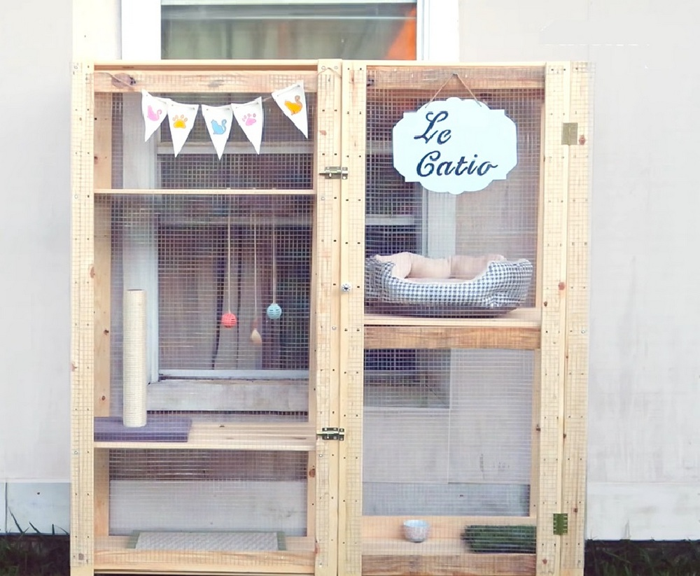 How to Turn an IKEA Bookcase Into a Catio