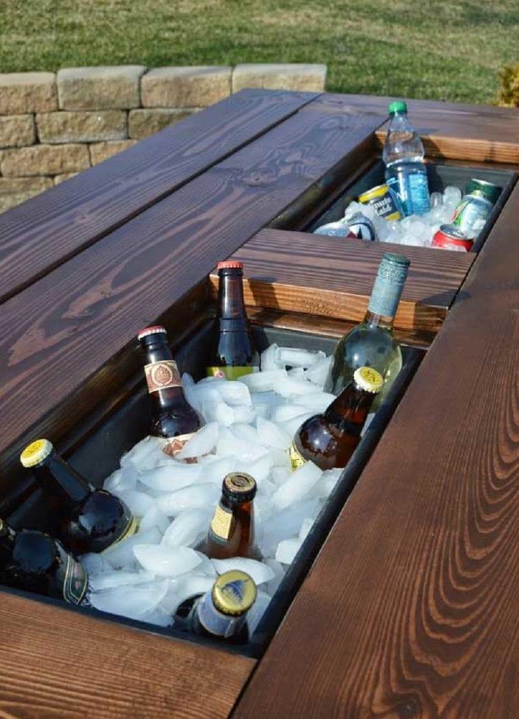 Si conoce una caja de herramientas, puede encontrar planes y tutoriales para algunos excelentes refrigeradores de bricolaje en línea.